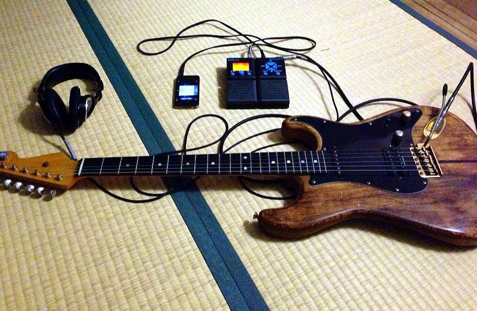 ギター アンプ ヘッドホン
